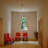 Inredesign av det röda stolhörnet Royaltyfri Fotografi