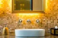Inredesign av en badrum Arkivbild