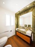 Inredesign, badrum med marmor Fotografering för Bildbyråer