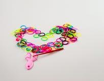 Inrichtingen voor het weven van armbanden van elastiekjes en elastieken Royalty-vrije Stock Afbeelding
