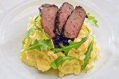 Inrotad kalvköttlever för krydda Arkivfoton
