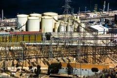 Insättningar av en raffinaderi och en makt Arkivbilder
