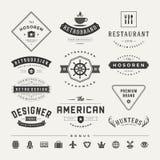 Insígnias retros do vintage ou vetor ajustado Logotypes Fotografia de Stock