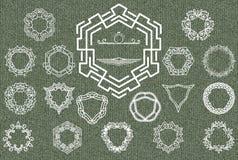 Insígnias retros ou Logotypes do vintage ajustadas Elementos do projeto, sinais do negócio, logotipos, identidade, etiquetas, cra ilustração do vetor