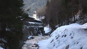 InSaalbach-hinterglemm Austria di Saalbach della chiesa archivi video