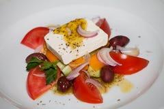 Insalata con il pomodoro ed il formaggio Fotografie Stock Libere da Diritti