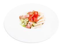 Insalata con il preparato ed il bacon freschi dell'erba Fotografia Stock Libera da Diritti
