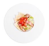 Insalata con il preparato ed il bacon freschi dell'erba Fotografie Stock