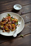 Insalata con le verdure ed il tonno Immagine Stock