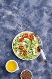 Insalata con le verdure grezze Fotografie Stock Libere da Diritti