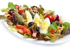 Insalata con le verdure miste e le uova Immagine Stock
