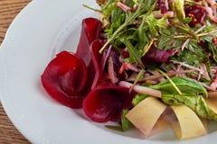 Insalata con pancetta affumicata Immagini Stock Libere da Diritti
