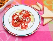 Insalata dei pomodori con formaggio Fotografia Stock Libera da Diritti