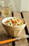 Insalata del cuscus con il pollo, lo zucchini e la carota Immagine Stock