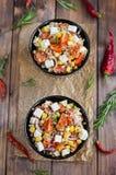 Insalata del grano saraceno con i pomodori e la feta Fotografia Stock Libera da Diritti