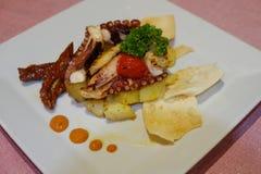 Insalata del polipo con le patate Immagini Stock