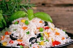 Insalata del riso con le verdure Fotografia Stock