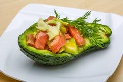 Insalata dell'avocado e dei salmoni Fotografie Stock