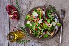 Insalata della verdura fresca con il rucola fotografie stock