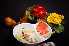 Insalata di finocchio, delle pere e del formaggio bianco Fotografie Stock Libere da Diritti