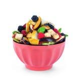 Insalata di frutta fresca e delle bacche in una ciotola Immagine Stock