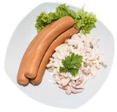 Insalata di pasta con la salsiccia (su bianco) Fotografie Stock Libere da Diritti