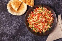 Insalata di tabulé, piatto del Medio-Oriente o arabo tradizionale Immagine Stock