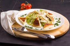 Insalata di Vegeterian con formaggio fritto Fotografia Stock