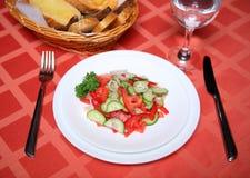 Insalata di verdure appetitosa del pomodoro del cetriolo Immagine Stock Libera da Diritti