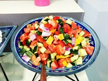 Insalata fresca dalle foglie della lattuga dei generi differenti di insalata di rucola delle carote del cavolo di varietà Fotografia Stock