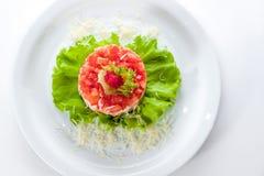 Insalata originale con il caviale, i pomodori e la lattuga Fotografie Stock Libere da Diritti