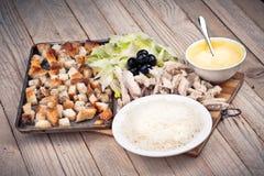 Insalata in piatto bianco bianco Fotografie Stock