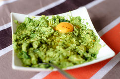 Insalata sana fresca dell'avocado e dell'uovo Immagine Stock
