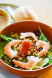 Insalata tailandese con i gamberetti e le verdure Fotografie Stock Libere da Diritti