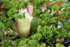 Insalata verde di crêpe della salsiccia Fotografia Stock