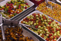 Insalate fresche deliziose nel mercato dell'isola di Vancouvers Grandville Fotografia Stock Libera da Diritti