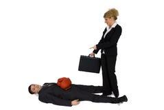 Inscatolamento dell'uomo d'affari e della donna di affari. Immagini Stock Libere da Diritti