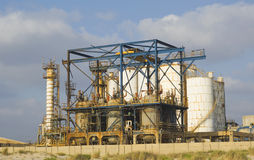 Inschepende chemiefabriek stock afbeelding