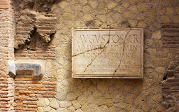 Inschrijving-ii-Herculaneum-Italië Stock Afbeeldingen