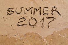 Inscrição no verão 2017 da areia Imagem de Stock Royalty Free