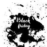 Inscripción de la venta de Black Friday en manchas blancas /negras abstractas de la tinta Fotos de archivo libres de regalías