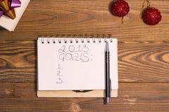 inscripción de 2018 metas en un cuaderno Foto de archivo libre de regalías