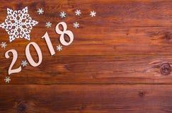 Inscripción 2018 en una tabla de madera, visión superior con el espacio de la copia Imágenes de archivo libres de regalías