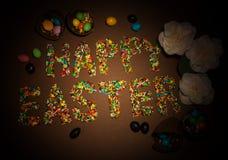 Inscripción Pascua feliz, el flouring colorido construido para Pascua, Ca foto de archivo
