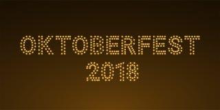 Inscripción que brilla intensamente de oro de Oktoberfest 2018, bandera del vector Fotografía de archivo