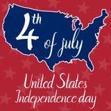 Inscripción 4ta del Día de la Independencia de julio Estados Unidos y mapa de los Estados Unidos de América Imagenes de archivo
