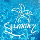 Inscription écrite avec une brosse Été de lettrage Éléments tirés par la main pour la conception calligraphique d'été Vacances d' Photo stock
