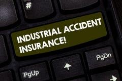 Inscription de la note montrant l'assurance d'accident industriel  Paiements de présentation de photo d'affaires pour démontrer e photographie stock