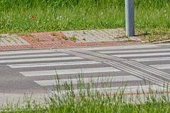 Inscription sur la route - croisement pour des piétons Photos libres de droits