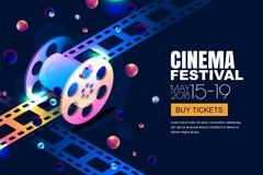 Insegna al neon d'ardore di festival del cinema di vettore Bobina di film nello stile isometrico 3d sul fondo cosmico del cielo d illustrazione vettoriale